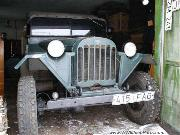 The GAZ 64 had many of the same features of the WWII US Army Jeep including; starting front tow hooks (an option on USMC jeeps of W.W.II).
